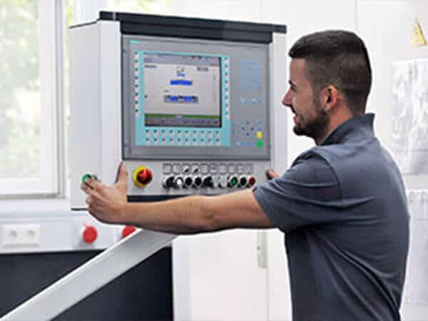 Stellenangebot Maschinenbediener